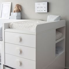Room cuna convertible 3/4 Beds, Baby Bedroom, Baby Decor, Cot, Keep It Cleaner, Kids And Parenting, Modern Design, Drawers, Kids Room