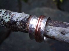 Tutorial to make this spinner ring.  18G Silver sheet & copper.