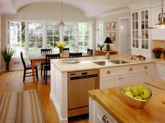 Great multi-window dining area off kitchen. . . nice cabinets and pulls. . .