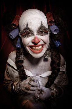 Foto: agghiaccianti ritratti di clown grotteschi (NSFW)