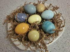 dye eggs naturally