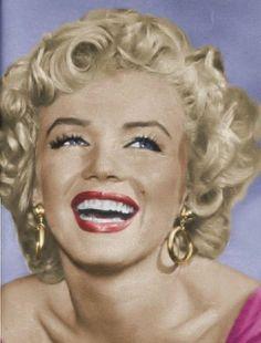 Marilyn Monroe - marilyn  in niagara