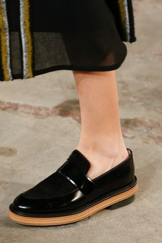 See detail photos for Boss Fall 2016 Ready-to-Wear collection.
