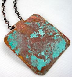 Easy vinegar and salt patina | Turns copper either green or turquoise! | http://jewelrymakingjournal.com