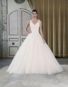 Breathtaking sleeveless v-neckline ballgown wedding dress; Featured Dress: Justin Alexander