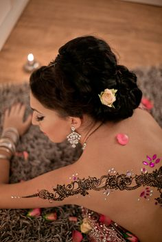 Oriental bridal shoot  Henna with Stones And a flawless make up combined with modern Hair do  For bookings check www.henna-makeup.de