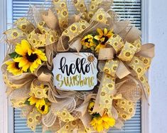 I love easy DIY summer wreaths, don't you? They bring a pop of color and a bit of character to your front door. Here we've gathered 60 Lovely Summer Wreath Design Ideas and Remodel hopes of getting you into the crafty spirit! In… Continue Reading → Diy Spring Wreath, Holiday Wreaths, Winter Wreaths, Burlap Wreath Summer, Spring Crafts, Wreath Crafts, Diy Wreath, Wreath Burlap, Wreath Ideas