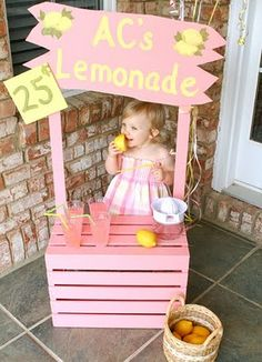 Lovely lemonade party with vintage wooden crate pink lemonade stand, baby yarn trimmed party hats, pink galvanized tub with real lemons & more! Cool Diy, Fun Diy, Pink Lemonade Party, Fuchsia, Deco Table, 1st Birthday Parties, Birthday Ideas, Kids Playing, Playing Card