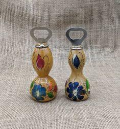 Colorful Flowers, Navy Flowers, Vintage Wood, Vintage Bar, Bottle Art, Folk Art, Powder Horn, Open Hands, Carving