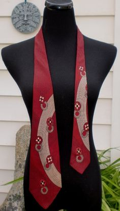 This is  beautiful vintage tie.  VINTAGE 1940's1950's Towncraft Deluxe Atomic by delilahsdeluxe, $11.50