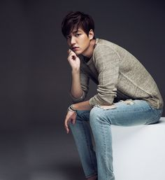 Find images and videos about lee min ho, korean actor and kactor on We Heart It - the app to get lost in what you love. Lee Min Ho Images, Lee Min Ho Photos, Asian Actors, Korean Actors, Korean Dramas, Lee Minh Ho, Man Lee, Boys Over Flowers, Kpop