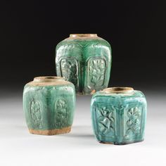 A GROUP OF THREE GREEN GLAZED EARTHENWARE GINGER JARS, Pottery Bowls, Pottery Art, Asian Vases, Rookwood Pottery, Ceramic Pots, Green Vase, Scandinavian Art, Ginger Jars, Earthenware
