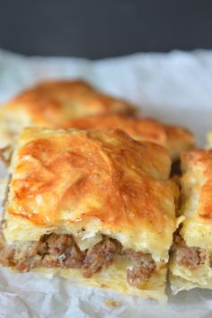 Ground beef phyllo pie (Egyptian Goulash) is a welcomed recipe on any party. Loved by adults and children as well. Buttery, crunchy layers of phyllo dough stuffed with a luscious ground beef mix. Phyllo Dough Recipes, Pastry Recipes, Meat Recipes, Cooking Recipes, Recipies, Venison Recipes, Cuban Recipes, Sausage Recipes, Sandwich Recipes