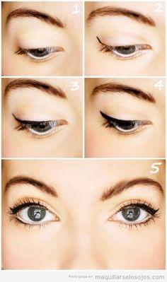 Tutorial con fotos para aprender a dibujar paso a paso la línea del ojo con perfilador
