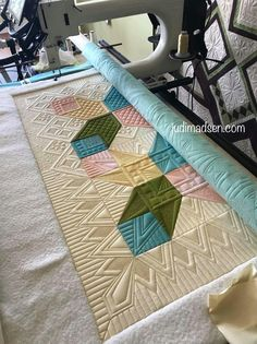 Quilting Types, Tips, And Tricks – Voyage Afield Quilting Stitch Patterns, Machine Quilting Patterns, Quilt Stitching, Quilt Patterns, Quilting Ideas, Modern Quilting, Quilting Rulers, Longarm Quilting, Free Motion Quilting