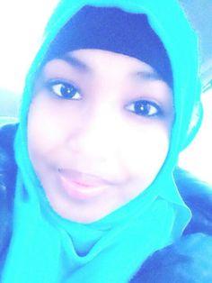 Electronic blue pashmina hijab w/ makeup; Au natural