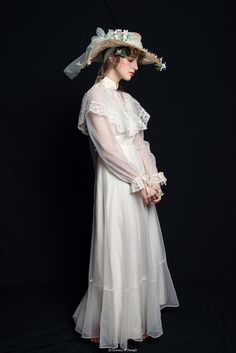 Victorian Fashion, Vintage Fashion, Vintage Dresses, Vintage Outfits, Character Outfits, Gothic Lolita, Look Cool, Costume Design, Aesthetic Clothes