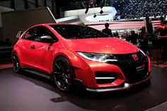 Новый коцепт-кар Honda Civic Type-R встречает своих фанатов - http://amsrus.ru/2014/07/14/novyiy-kotsept-kar-honda-civic-type-r-vstrechaet-svoih-fanatov/