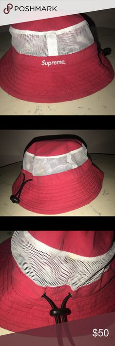 SUPREME BUCKET MESH HAT Bucket hat Supreme Accessories Hats
