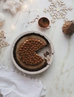 Food Photography :: Los Angeles! Just a heads up, tomorrow I'll be in Echo Park at Shout & About signing books and handing out holiday cookies from 11am to 1pm. Stop by! Now, for this tiramisu pie! I made this pie a few times to recipe test it, pretty normal stuff, but after I finally nailed it, I […](Read more...)