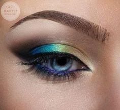 QC Makeup Academy - Google+  Stunning shimmer eyeshadow #rainbow #eyeshadow #purpleliner