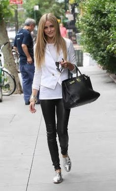 olivia palermo - White Blazer and metallic oxfords AND BIRKIN Fashion Kids, Autumn Fashion, Womens Fashion, Fashion Trends, Asos Fashion, Fashion Finder, Cheap Fashion, Fashion Inspiration, Fashion Outfits