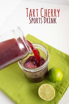 Tart Cherry Sports Drink recipe -- rehydrate and refuel with an added inflammation-busting punch from the tart cherry juice! sponsored by Tart Cherries from fANNEtastic food Cherry Drink, Tart Cherry Juice, Cherry Smoothie, Fruit Smoothies, Healthy Smoothies, Healthy Drinks, Healthy Snacks, Healthy Recipes, Juice Recipes