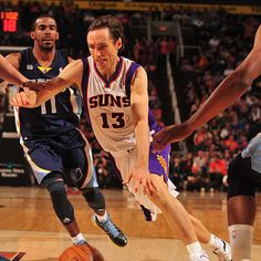 Steve Nash and the Suns stayed hot with a 98-91 win over the Grizzlies at home, the team's seventh in nine games.