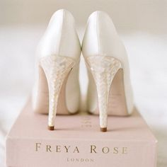 So glamorous! Such a beautiful mother of pearl heels by @freyaroseshoes.Pic: @katylunsfordphotography #FreyaRoseShoes