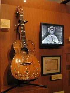 Hank Williams ~ Martin guitar 00-18 Musical Design Project Info: MaritimeVintage.com