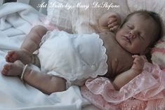 Loulou by Joanna Kazmierczak reborn by Mary DiStefano Silicone Reborn Babies, Reborn Baby Dolls, Realistic Baby Dolls, Baby Girl Newborn, Mary, Kit, Photography, Diaper Covers, Fun Easy Drawings