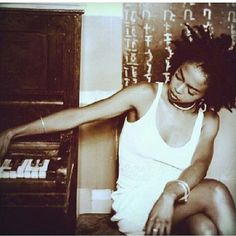 Lauryn Hill with the Geez Fedelat/ Eritrean/Ethiopian Alphabet My Black Is Beautiful, Beautiful People, Beautiful Things, Beautiful Women, Ms Lauryn Hill, Miseducation Of Lauryn Hill, Nova Jersey, Lauren Hill, Neo Soul