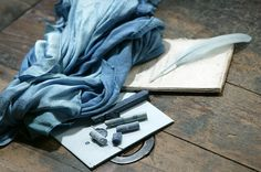 Le pastel à l'Atelier Bleu de Lectoure - Par CRT Midi-Pyrénées / Dominique VIET #shopping #midipyrenees #france #tourismemidipy #pastel #lectoure #bleu