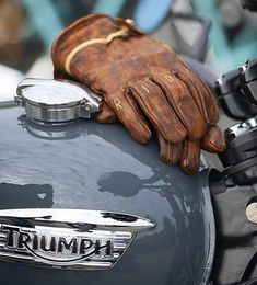 Triumph Motorcycles, Indian Motorcycles, Triumph Scrambler, Scrambler Motorcycle, Triumph Bonneville, Vintage Motorcycles, Triumph T120, Street Scrambler, Motorcycle Gloves