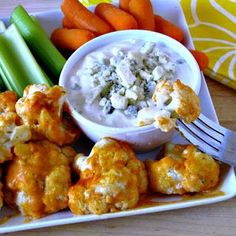 Simply Healthy Family: Baked Cauliflower with Buffalo Sauce and Home Made Blu Cheese Dressing. Thinking of pairing blue cheese dressing with buffalo chicken meatballs in crockpot! Veggie Dishes, Veggie Recipes, Appetizer Recipes, Whole Food Recipes, Vegetarian Recipes, Cooking Recipes, Healthy Recipes, Appetizers, Side Dishes