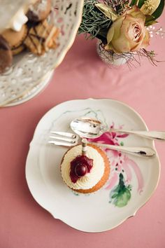 Details from Lena Hoschek's Christmas Table. Cupcake by the lovely A Table, Panna Cotta, Cupcake, In This Moment, Ethnic Recipes, Christmas, Food, Nice Asses, Dulce De Leche