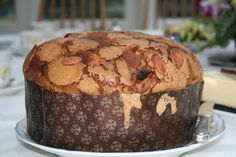 Story of the panettone, the typical Italian Christmas cake Sweets For Diabetics, Diabetic Desserts, Diabetic Recipes, Italian Christmas Cake, Sugar Free Sweets, Cure Diabetes Naturally, Pain, Food And Drink, Dessert Recipes