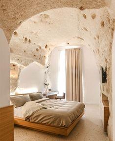 Una Casa in Pietra in Puglia Loft Interior, Interior Design Career, Home Design, Design Ideas, Bed Furniture, Quality Furniture, Cheap Furniture, Bohemian Style Bedrooms, Jeddah