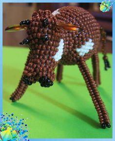 Корова бычок из бисера бык животные из бисера