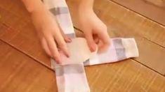 Wenn du dir das angesehen hast wirst du dein Socken zusammenlegen nie wieder anders machen. Das Ergebnis wird dich verblüffen.