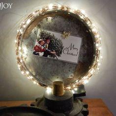 DIY Salvaged Junk Projects 405 Retro Christmas, Rustic Christmas, Christmas Diy, Twine Wreath, Galvanized Tray, Dollar Tree Decor, Spring Tree, Craft Show Ideas, Funky Junk