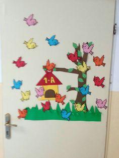 Classroom Board, School Classroom, Classroom Decor, Class Decoration, School Decorations, Autumn Activities, Preschool Activities, Paper Crafts For Kids, Arts And Crafts