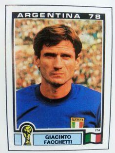 Facchetti Uefa Football, Football Players, Fc Barcelona, Fifa, Vignettes, World Cup, The Past, Baseball Cards, Illustration