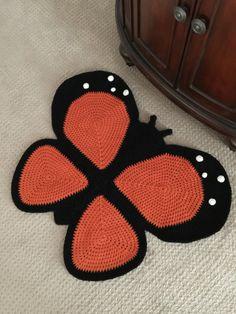 Crochet Butterfly Rug by PeanutButterDynamite on Etsy Crochet Ladybug, Crochet Panda, Crochet Butterfly, Crochet Fox, Crochet Pillow, Crochet Animals, Crochet Stitches, Crochet Patterns, Crochet Rugs