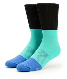 Update your comfort with a soft blended construction with a color blocked black upper, mint middle and blue toes.
