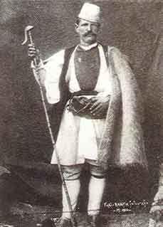 """Αρμάνος - Βλάχος βοσκός κρατώντας την αγκλίτσα του """"Καρλίγκου"""". Φωτογραφία του 1907.www.vlahoi.net"""