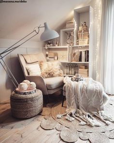 Bohemian Latest And Stylish Home decor Design And Life Style Ideas - Bohemian Home Style Cute Room Decor, Room Decor Bedroom, Living Room Decor, Cozy Reading Corners, Reading Nook, Budget Home Decorating, Stylish Home Decor, Cozy Room, Dream Rooms