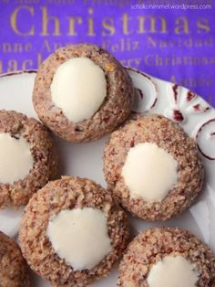 with hazelnut-cinnamon balls - chocolate heaven - Tate Beamson Candied Nuts, Cake & Co, Chocolate Heaven, Perfect Cookie, Christmas Breakfast, Easy Cookie Recipes, International Recipes, Breakfast Recipes, Sweet Tooth