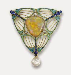 GEORGE FOUQUET e l'ART NOUVEAU     George Fouquet (1853-1929) discendente da una famiglia di orafi e gioiellieri, è stato rite...