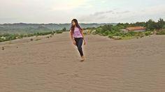 Gumuk ad pasirnya namanya gumuk pasir...hihiii #jelajahbantul #gumukpasirparangkusumo #gumukpasir #parangkusumo #parangtritis  #jogjamedia #refreshing #fotofoto #hungfot #latepost by Jelajah Bantul